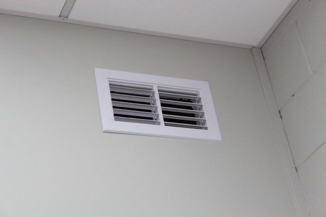 Two-Way Eyelash Wall Grille